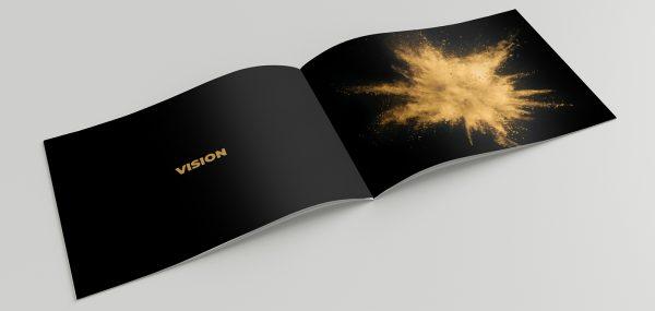 Mockup_HorizontalA5_Brochure_2